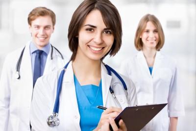 medicos jóvenes